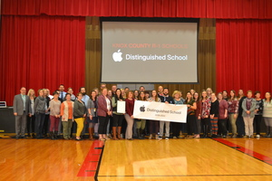 Knox County R-I Receives Distinguishment from Apple